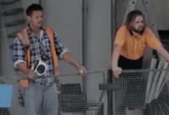 Aussie Builders surprise public with loud empowering statements YouTube