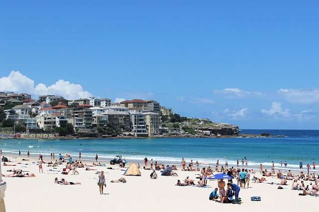 15 Things You Need To Know About A Working Holiday Visa In Australia FB2 (1)