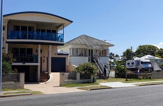Moving back to Ireland but still own a property in Australia (1)