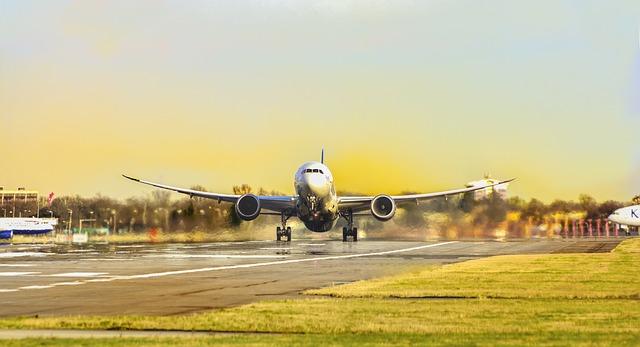 Return air fares from Australia to Ireland